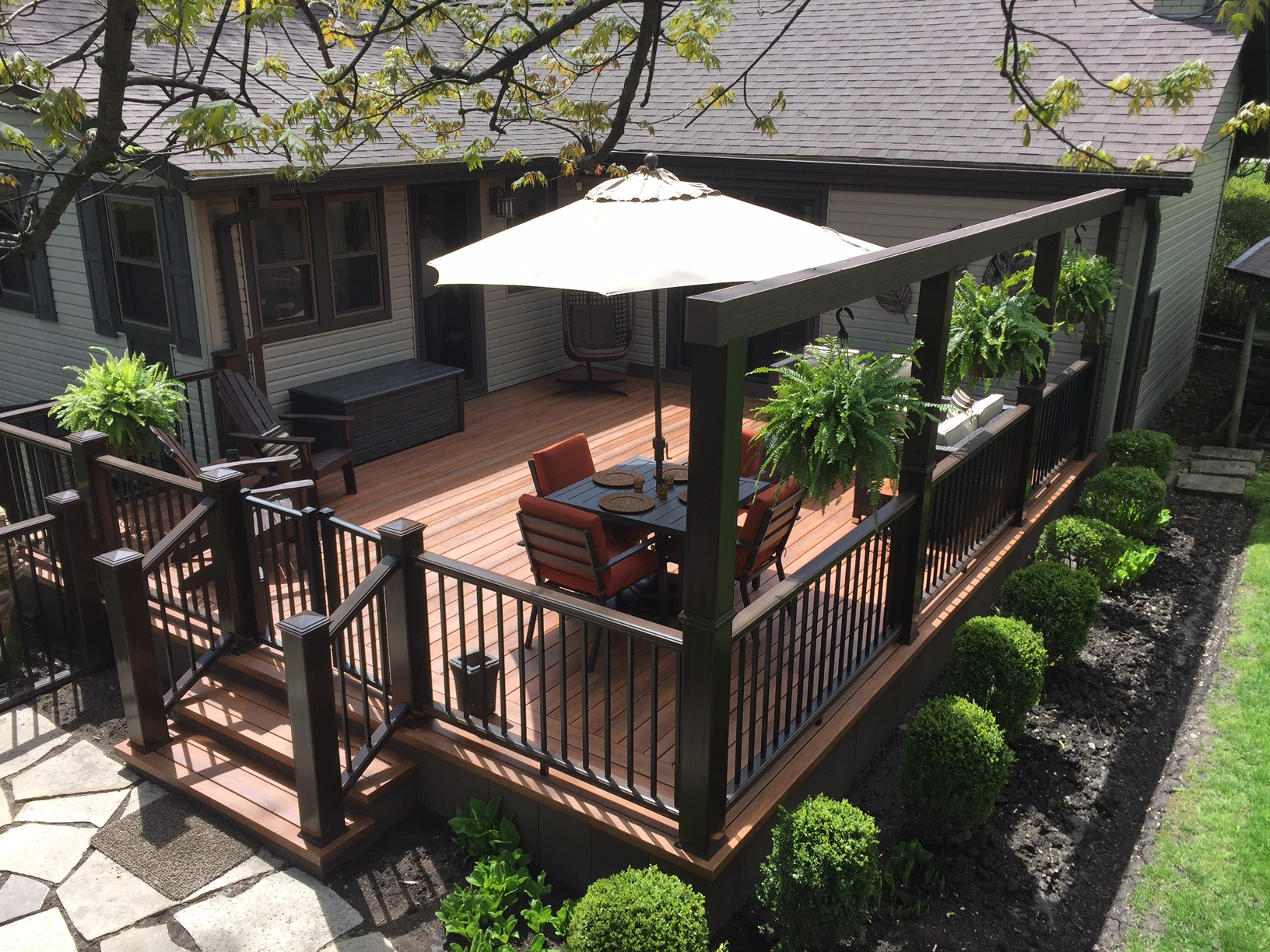 PROJECT SPOTLIGHT: DECK WITH STONE WALKWAY