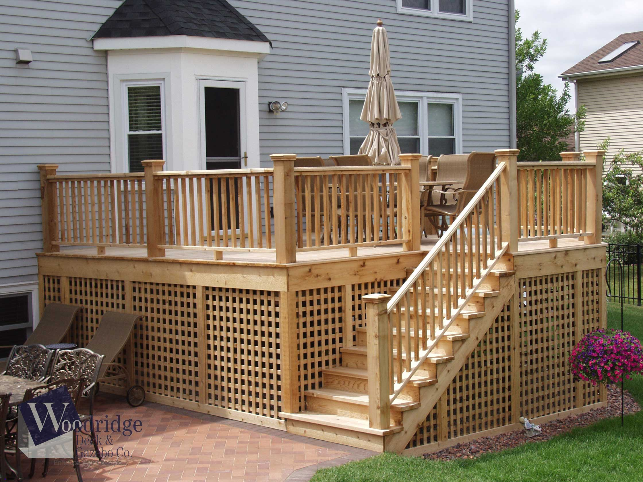 LL-06 Cedar Deck and Railings with Lattice