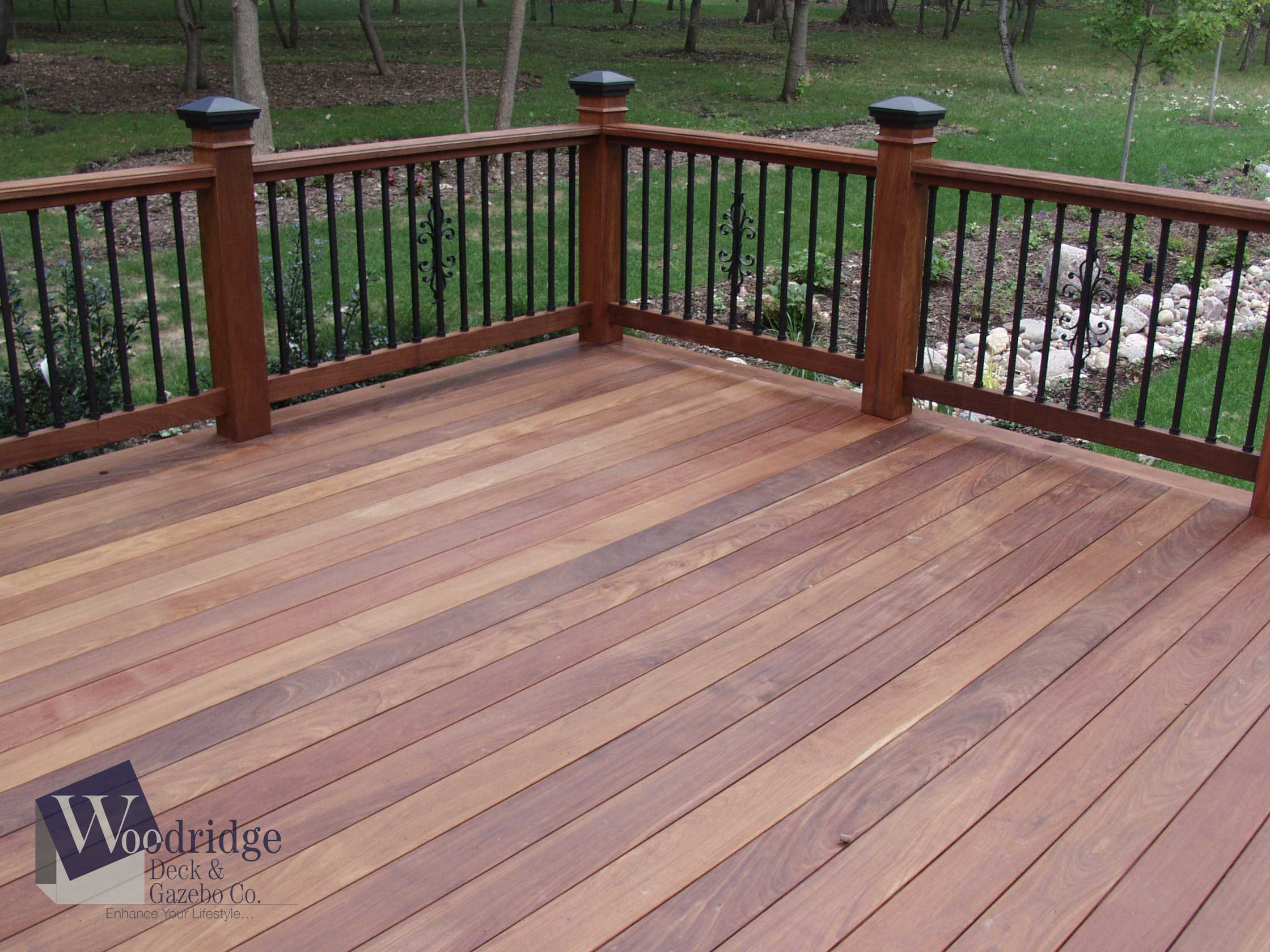 FF-02 Ipe Deck with Dekor Balusters