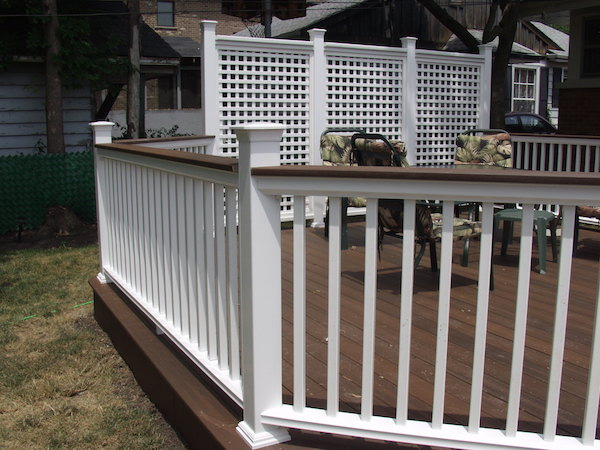 Woodridge Deck and Gazebo Co. Deck with Fiberon Horizon Drink Rail